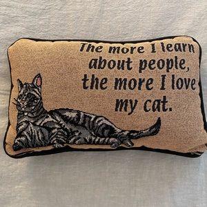 Pithy cat pillow
